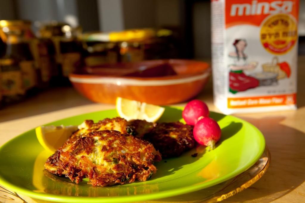 לביבות ירקות עם קמח תירס